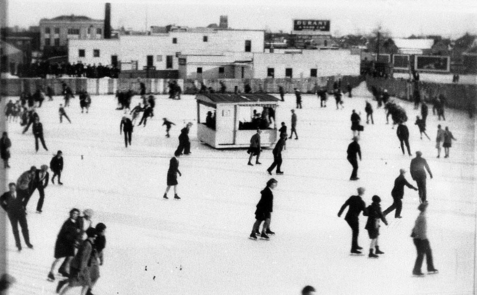 Central-Skating-Rink City of Edmonton Archives EA-671-1